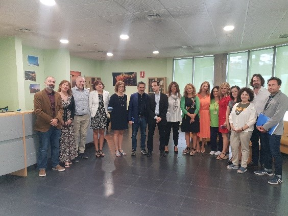 Presentación de PRÁCTICAS INTERGENERACIONALES EN LOS CENTROS DE DÍA MUNICIPALES