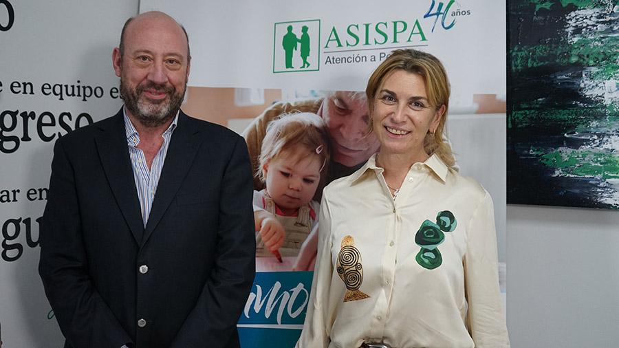 Juan Carlos Pérez Aguilar, Director General del Mayor del Ayuntamiento de Madrid y Elena Sampedro, Directora General de ASISPA.