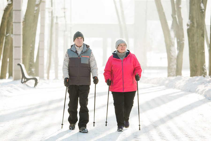 hacer ejercicio en invierno para personas mayores
