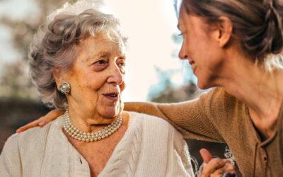 """La infantilización en personas mayores es """"el mayor de los maltratos psicológicos"""""""