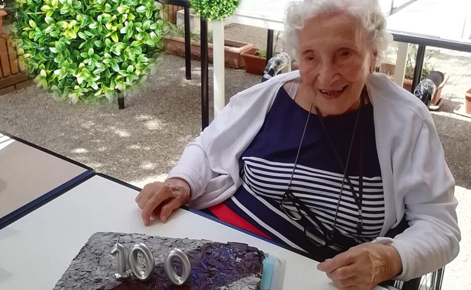 Cumpleaños centenario en el CD El Val