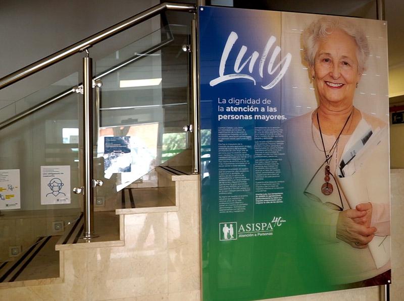 foto Luly en el edificio