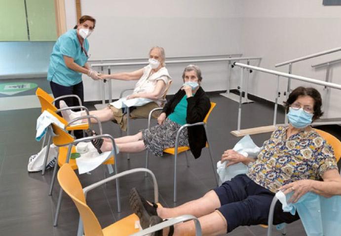 cuidado de personas mayores en centros de dia